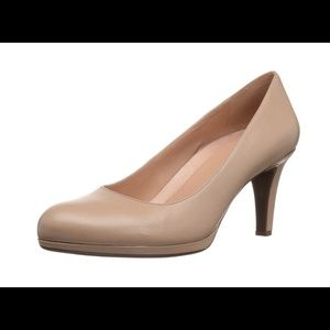 Naturalizer PENNY Pump (nude - size 10M)